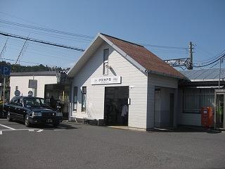 伊賀神戸駅舎